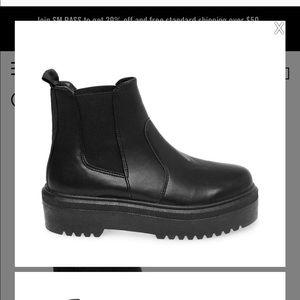 Steve Madden Yardley boot size 8